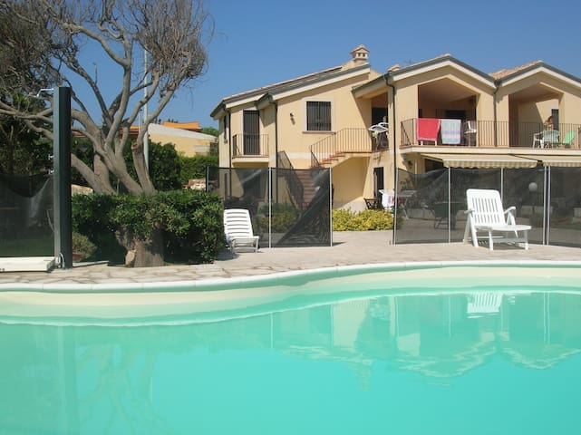 Holiday Home with pool on the beach - Pachino - Byt