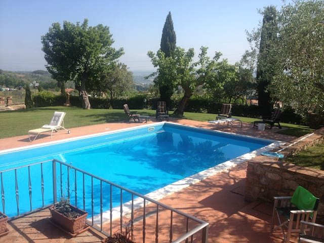 Villa in the heart of Tuscany with pool - Sammuro - Villa
