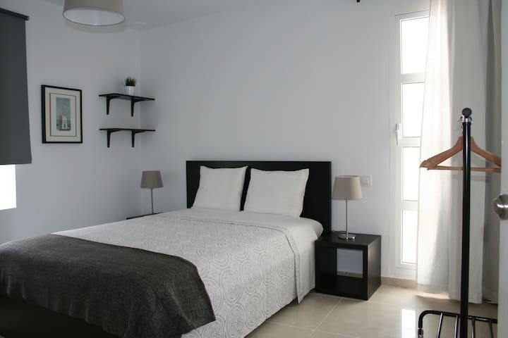 Casa del Loro - Habitación Doble céntrica 1 - Cádiz - Bed & Breakfast