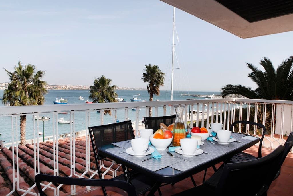 Magnificent terrace with the best view in Cascais!