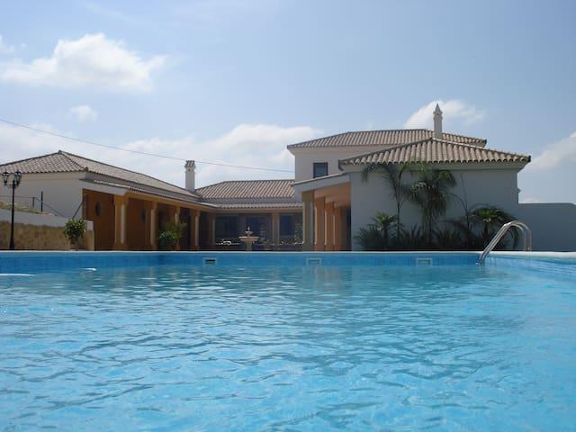 Beautiful Cortijo with private pool - Arcos de la Frontera - Huvila
