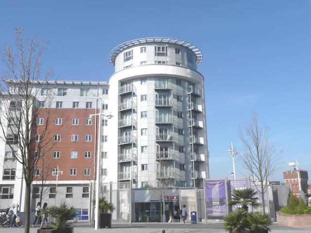 Room for two in Gunwharf Quays - Portsmouth - Apartment