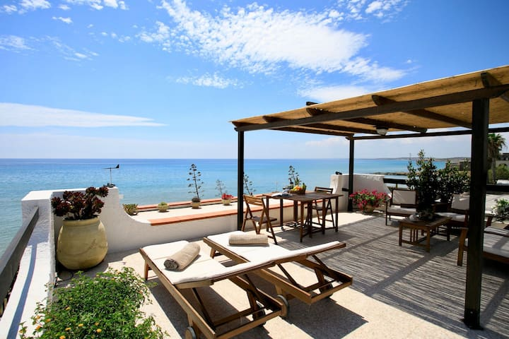 Charming holiday apartment directly on the beach