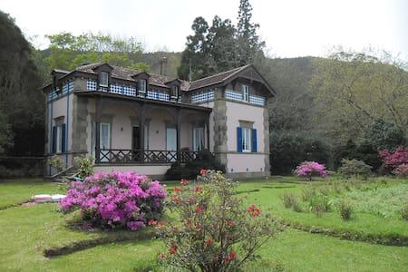 Casa da Lagoa - Lagoa das Furnas - Furnas