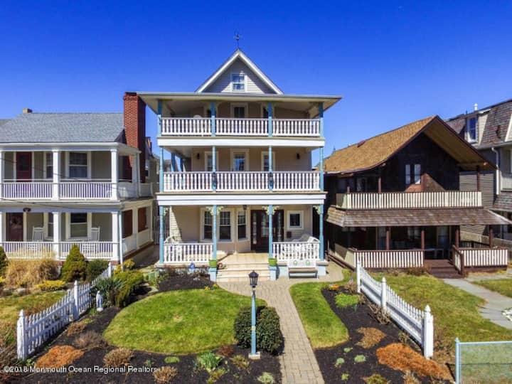 Beautiful Ocean Grove home 1/2 block from beach