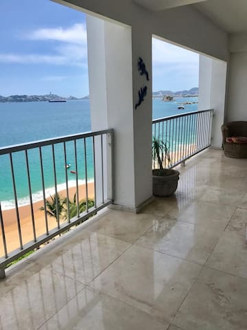 Hermoso departamento con vista al mar y playa