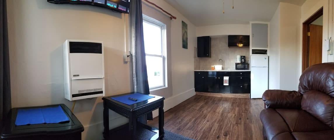 6: Kzoo Downtown, Mills fully appointed apartments