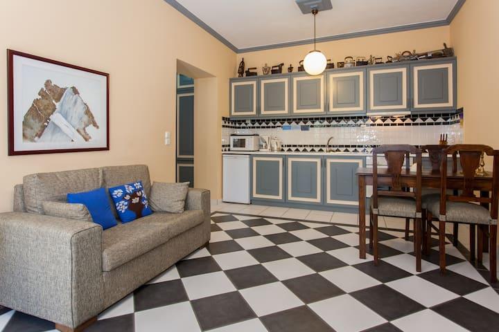 ERATO spacious 1 bedroom flat - Platanias - Bed & Breakfast