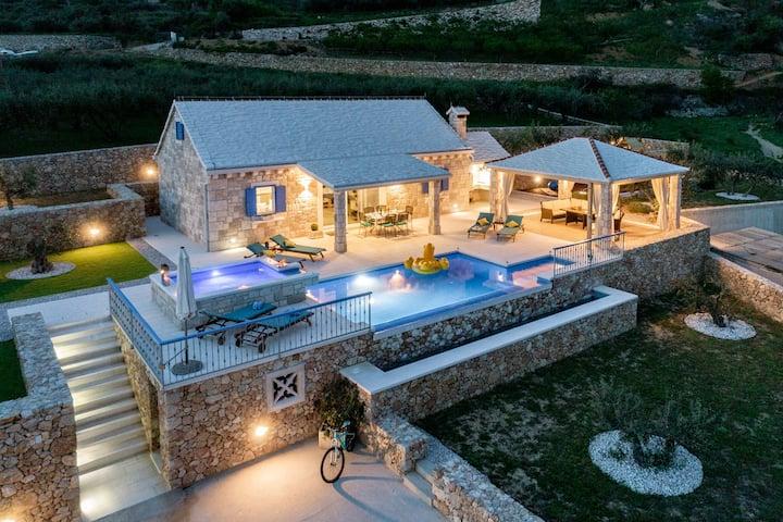 Blue Sky Amazing, Isolated  Stone Villa with Pool!
