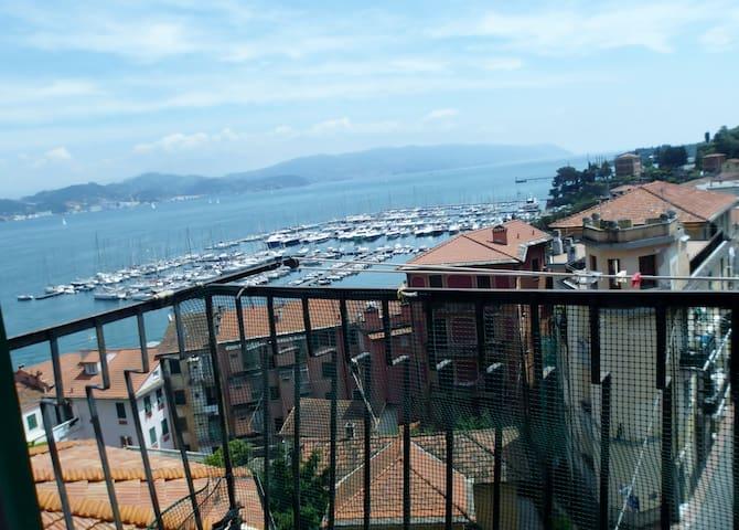 """""""BAIAVISTA"""" appartamento vista mare - Fezzano - Huoneisto"""