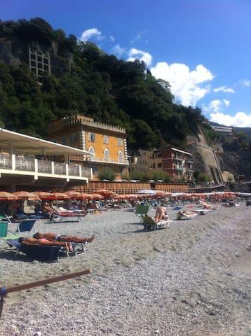 apt. ocean view front main beach - Monterosso Al Mare - Wohnung