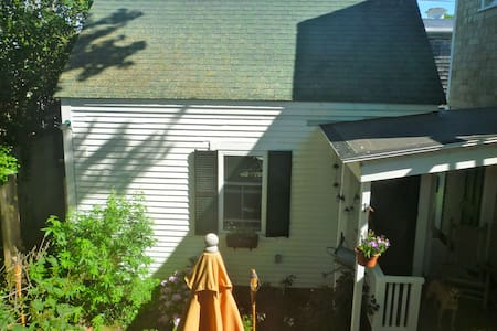 Private Cottage, Town Center - Provincetown - Casa