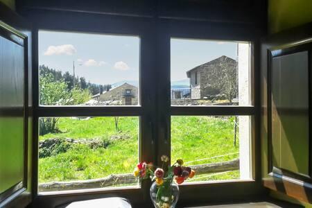 Enchanting country house w garden - Grandas de Salime