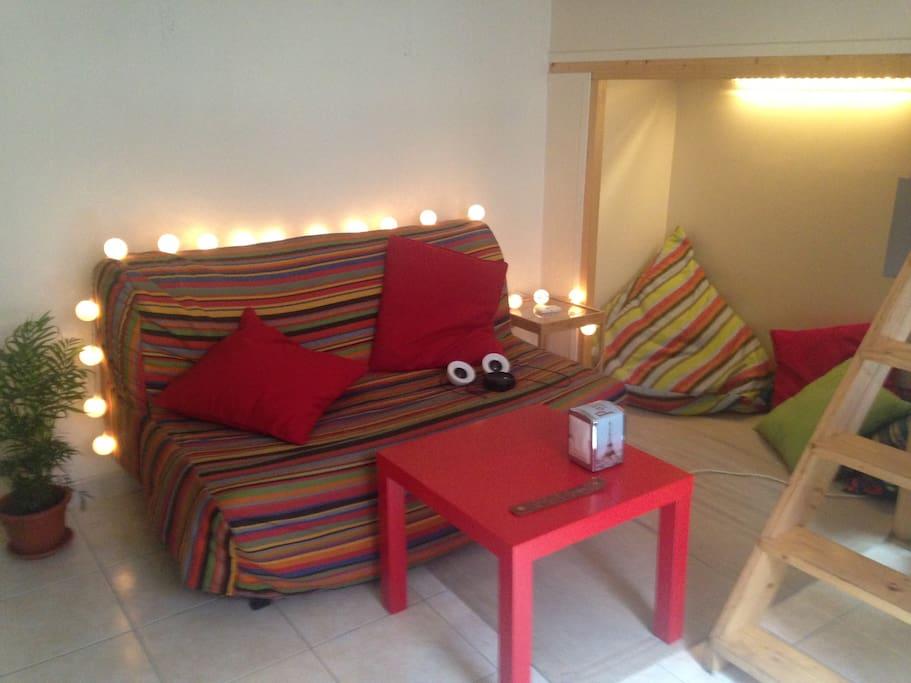 studio in paris for 2 apartments for rent in paris le de france france. Black Bedroom Furniture Sets. Home Design Ideas