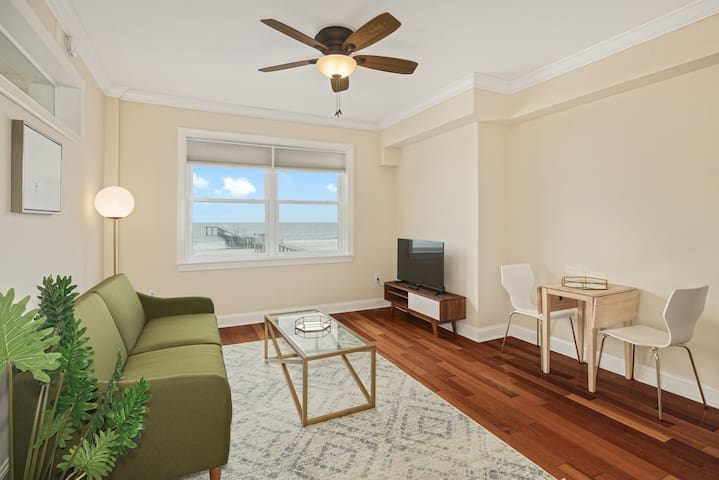 Private 1 BR Beach Retreat, 10min Drive to AC