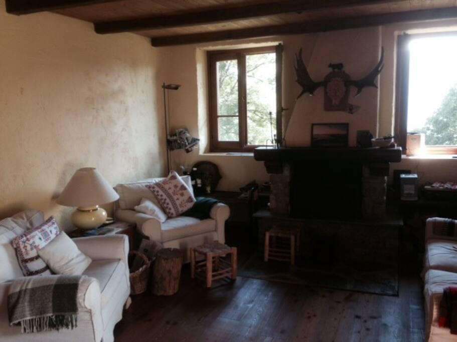 Accogliente e silenzioso cottage chalet in affitto a for Affascinanti piani casa cottage
