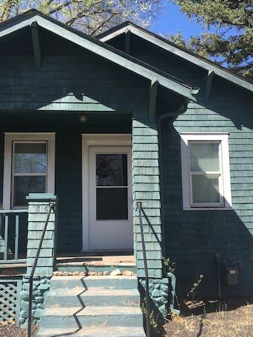 Little Blue House - Colorado Springs - Casa