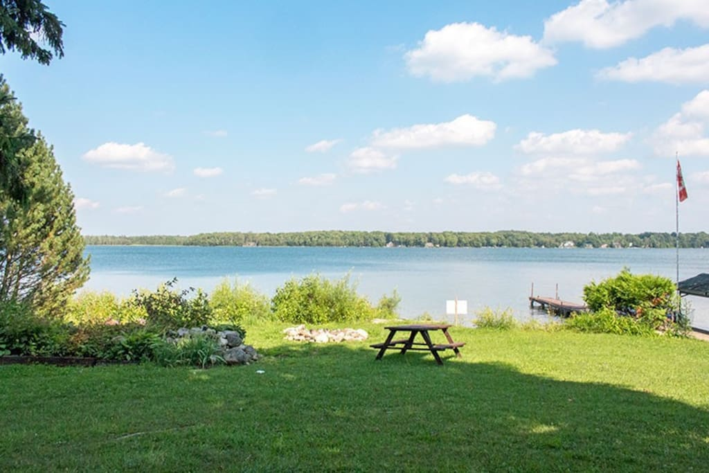 The property sits on over an acre of land with 100ft of waterfront.