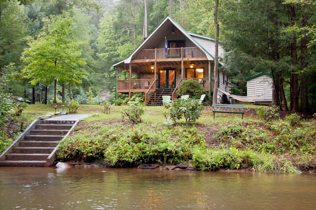 river mist log cabin waterfront hot tub fishing