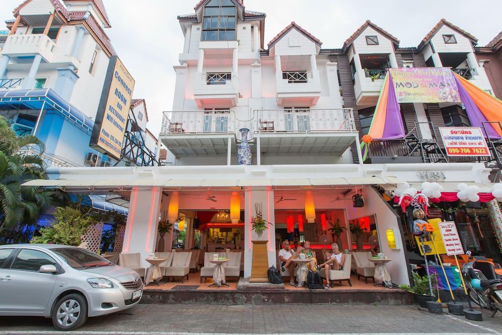 Bar &restaurant