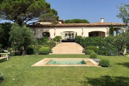 Villazzo Villa Sandrine - ラマチュエル