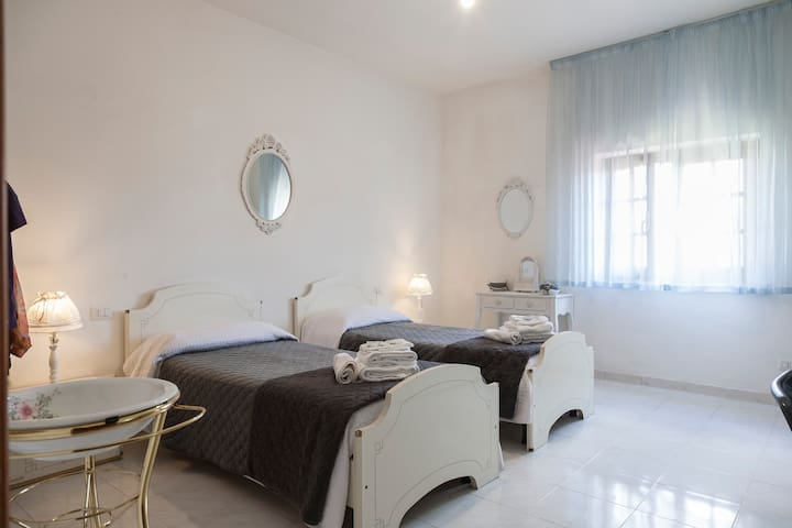 "IL Gelsomino "" Twin ""  City Center - Olbia - Apartment"
