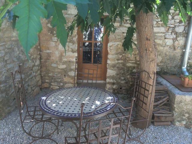 Studio in medieval village - Viols-le-Fort - Σπίτι