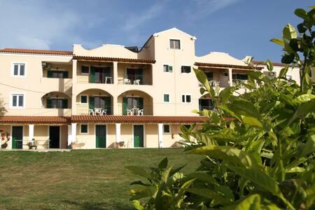 Room for 2 in the Catamaran Hotel - Acharavi
