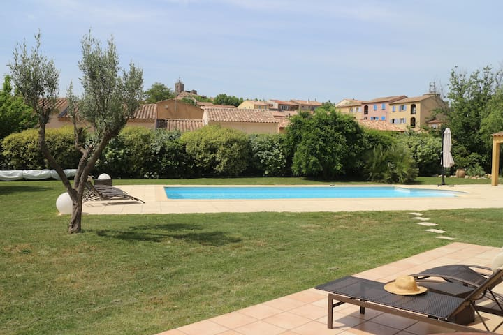 Very nice villa with swimming pool - Pourrières - Casa