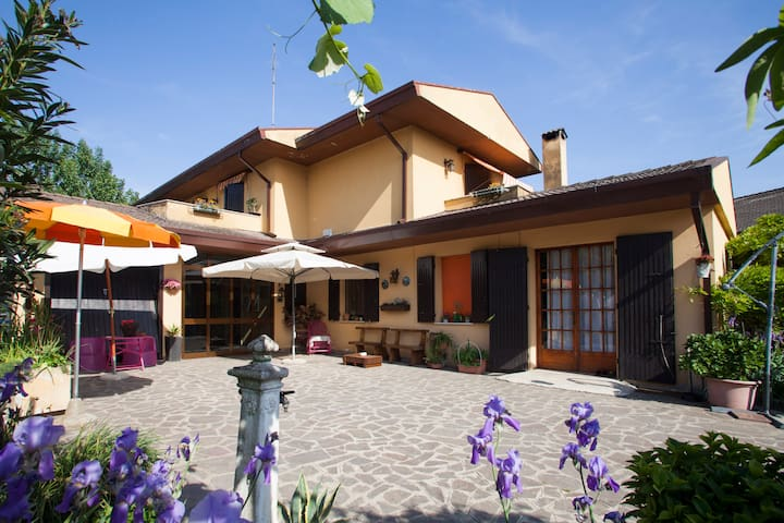 La Casa del Mulino B&B - Due Carrare - Bed & Breakfast