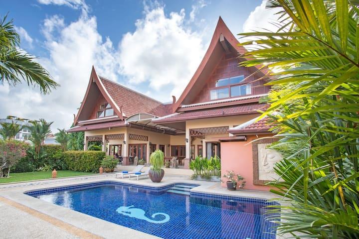 Blissful 5-bedroom Pool Villa, great Outdoors