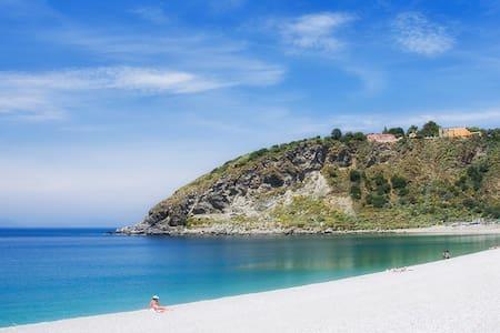 B&B Baia Tono - Milazzo (ME) Sicily - Milazzo - Bed & Breakfast