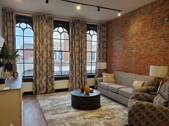110 WEST 1 Bedroom apartment in Historic Downtown