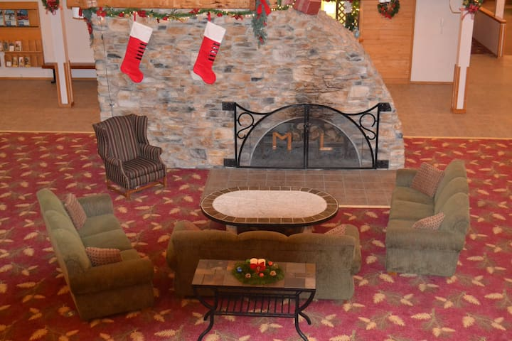Mountain Lodge lobby and fireplace