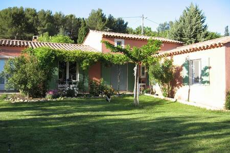 Provencal house in Pernes les Fontaines - Pernes-les-Fontaines