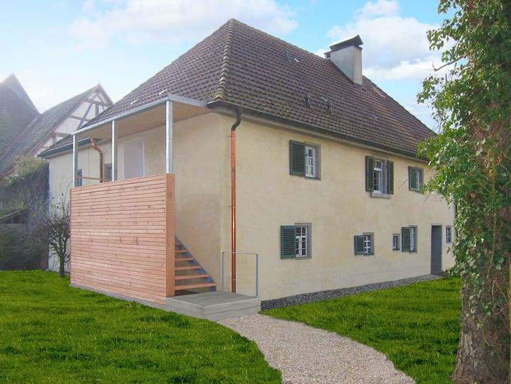 3-room-apartm, historic bldg,garden