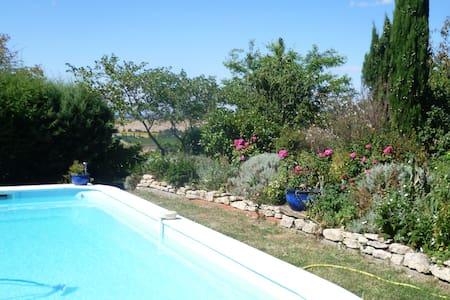 Maison ac vue magnifique sur les Pyrénées &piscine - Carlipa - Dom