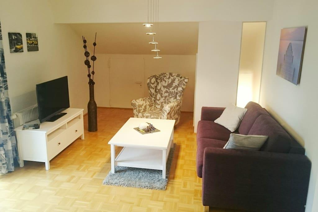 Wohnbereich mit Top Couch für weitere 2 Personen