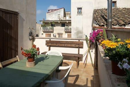 Apto silenzioso in centro storico - Alcamo - Apartment