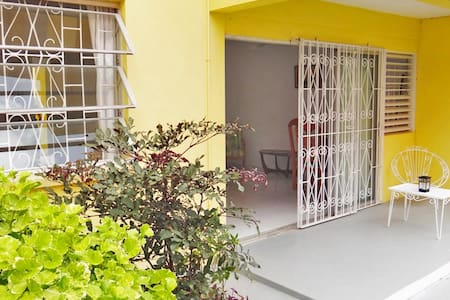 Super-Breezy Double Bed with Garden - Bridgetown