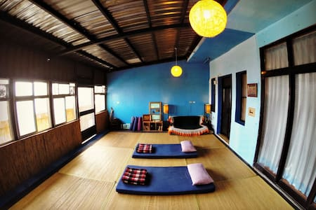 WaGaLiGong Surf Hostel Yoga Room 背包客經濟通舖