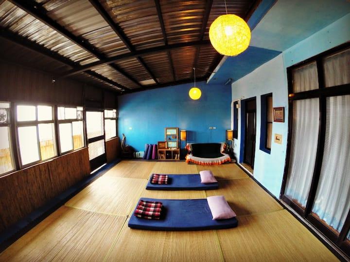 WaGaLiGong Surf Hostel Yoga Room 無冷氣海景背包客經濟通舖