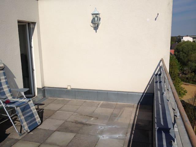 Sonnige 2 Z.-Wohnung mit Terrasse