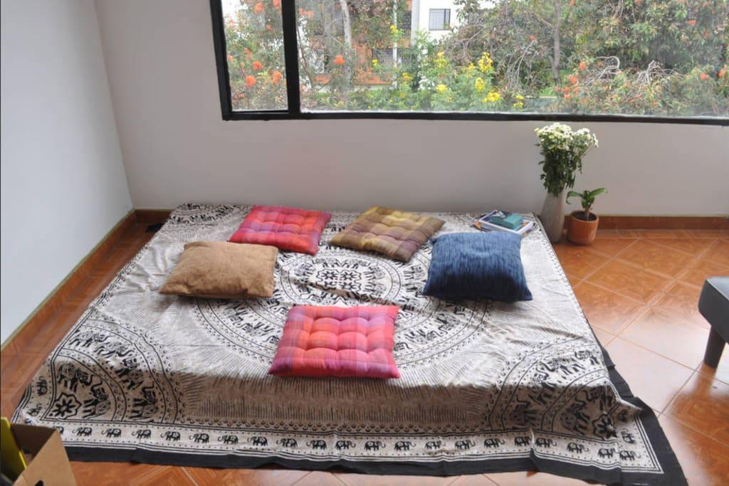 SHANTI MEDITATION LIVING ROOM