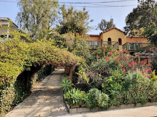 ☀ Silverlake Casa Verde