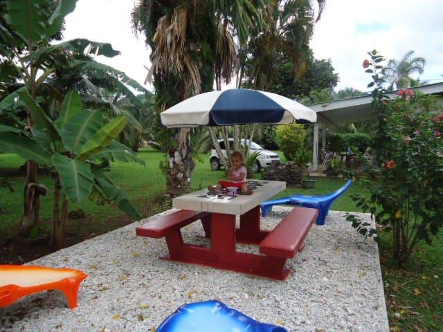 Villa 3 CH 6 pax non climatisé + Car + Boat 365$