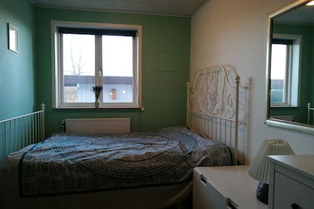 Double room for couple or single - Вибю - Дом