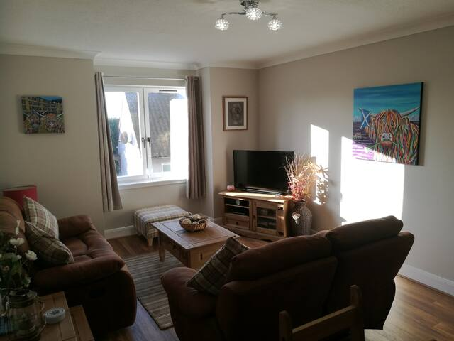 Stunning Spacious Flat, near St Andrews (sleeps 4)