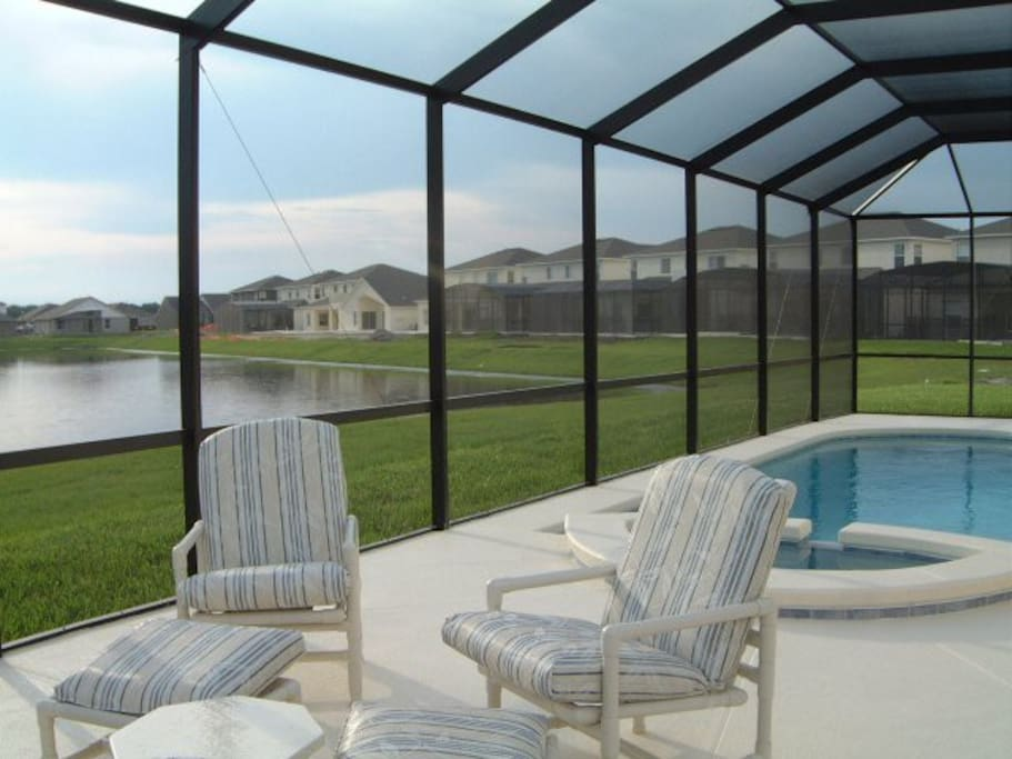 Great pool with spa on extended deck