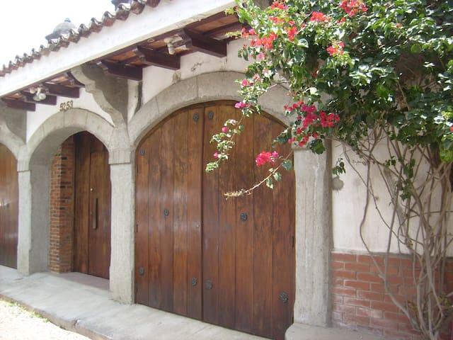 Nice House near Antigua Guatemala - Ciudad Vieja - House